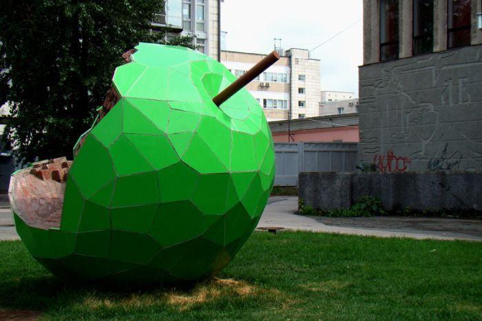 Скульптура «Яблоко», Пермь