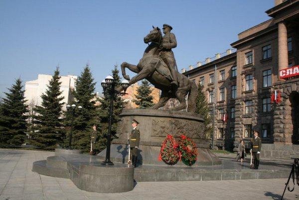 Памятник маршалу Жукову, Екатеринбург