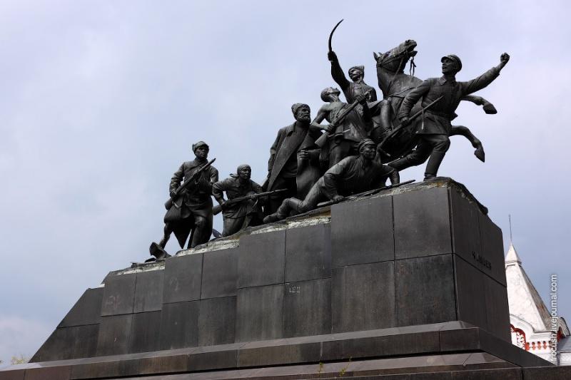 Памятник Чапаеву и его армии, Самара
