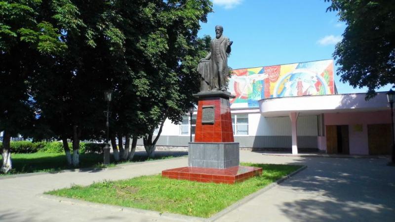 Памятник В.Ключевскому, Пенза