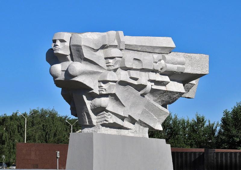 Мемориальный комплекс «Родина-мать», Набережные Челны