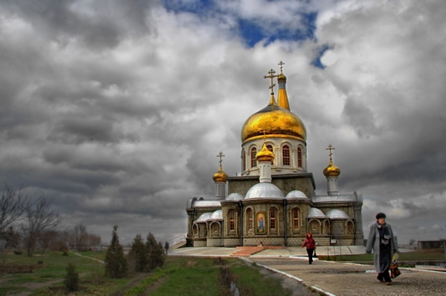 Храмы, Волжский