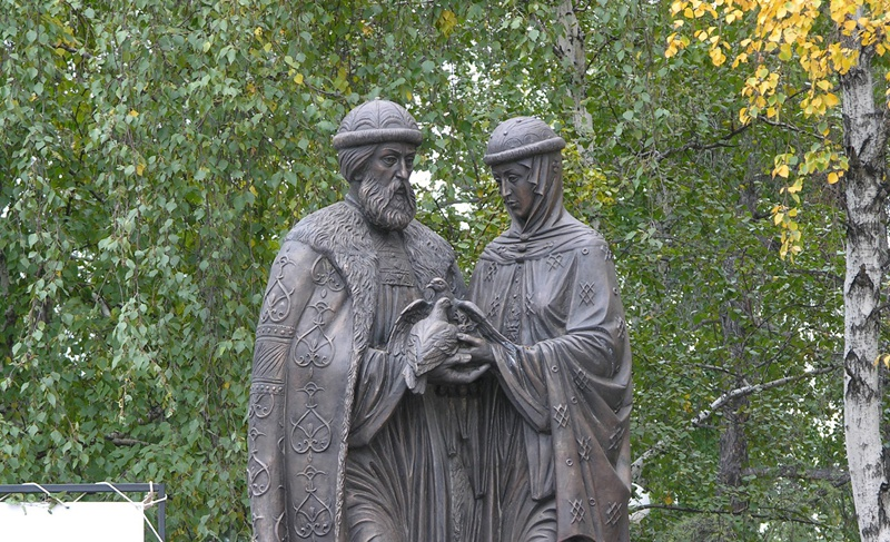 Памятник Святым Петру и Февронии, Киров