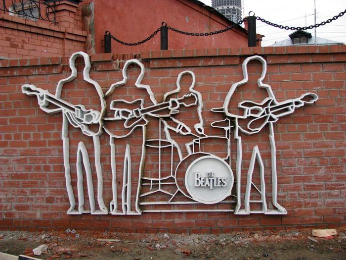 Скульптурная композиция в честь группы «TheBeatles», Екатеринбург