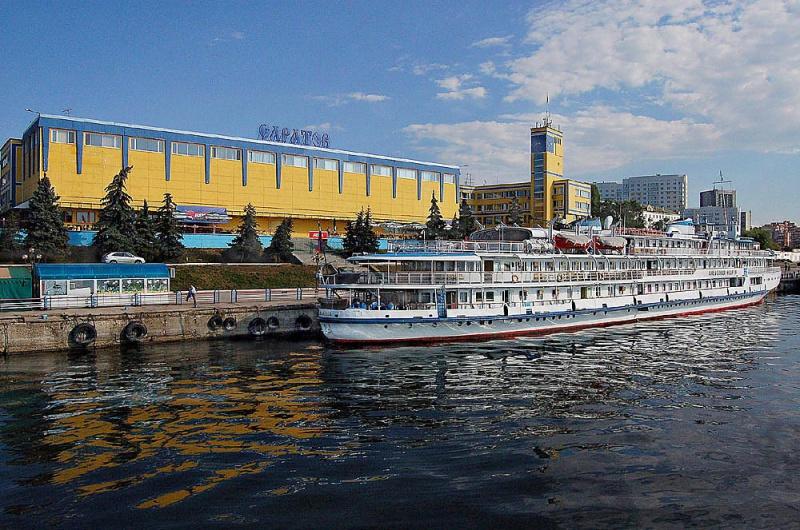Порт Саратов